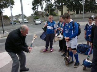 Frankie passing on his skill to the Mount Sion boys